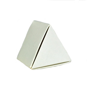 1 PC WHITE TRIANGLE TRUFFLE BOX
