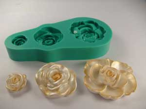 17071-A-SILICONE-MOLD-ROSES-MCCALLS.jpg