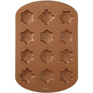 12 CAVITY VINTAGE SNOWFLAKE COOKIE PAN BY WILTON