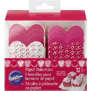 WILTON VALENTINE SQUARE BAKEWARE PACK OF 12