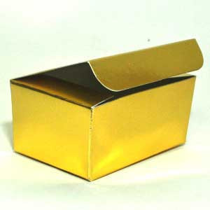 7727-A-GOLD-FOIL-BOX-MCCALLS.jpg